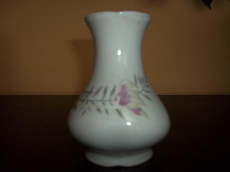 Porcelánová vázička,