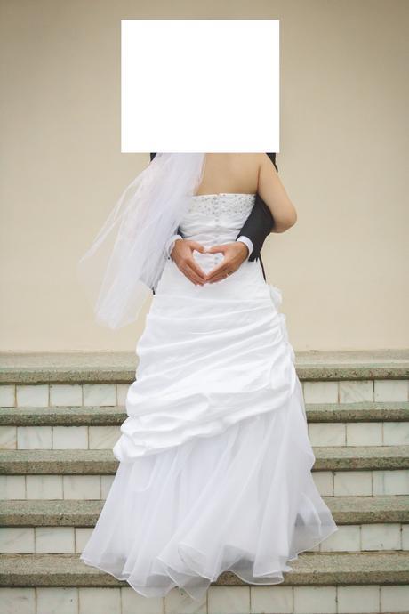 snehobiele svadobne šaty, 38