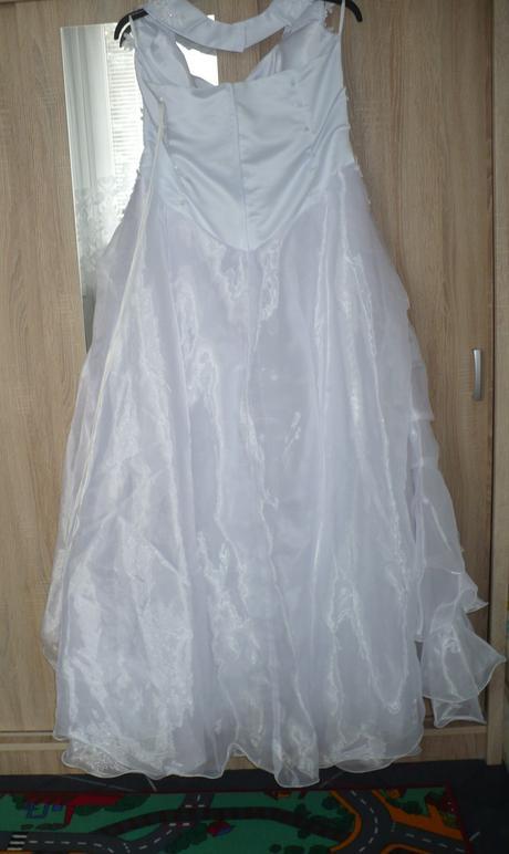 Svatební šaty za krk, 46