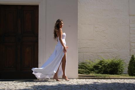Šaty z hodvábu, 36