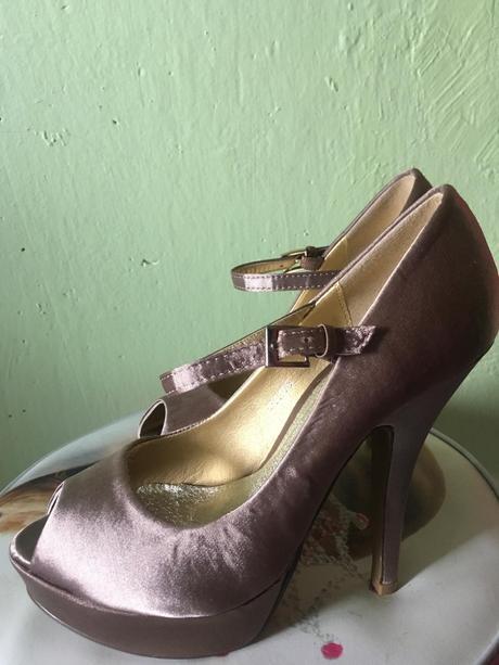 nenosené elegantné topánočky, 37