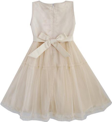 Šaty pre družičku, 110