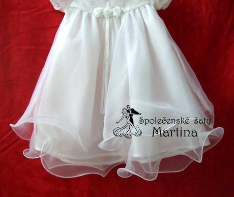 Šaty pre družičku aj krst, 80