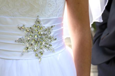 Svatební šaty (vel. 38) + lodičky + závoj + další, 38