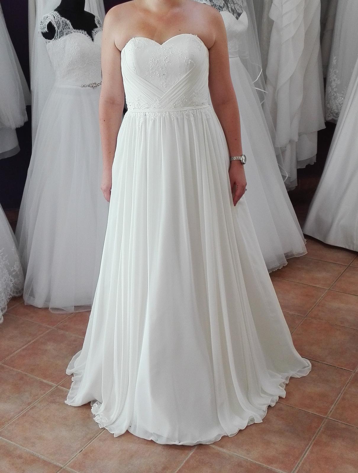 929b19e4b Jednoduché svadobné šaty, 42 - 200 € | Svadobný bazár | Mojasvadba.sk