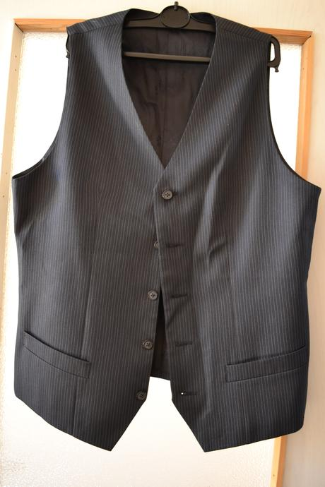 Pánský oblek + vesta Hugo Boss, 50