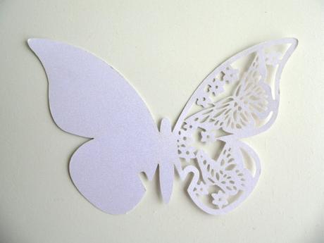 Jmenovky motýl bílá, perleťová 50ks,