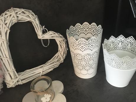 Bílé dekorace do bytu či domu- dárek zdarma,