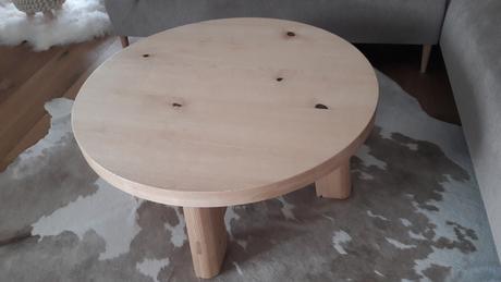 konferenční stolek,