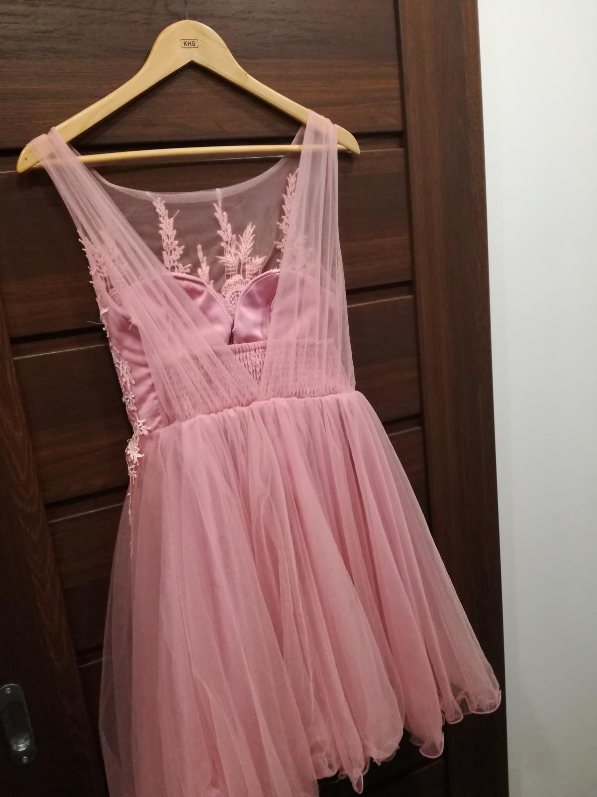 Krátke ružové spoločenské šaty bcaccced35c