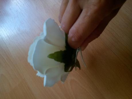 biela ruža 10cm,