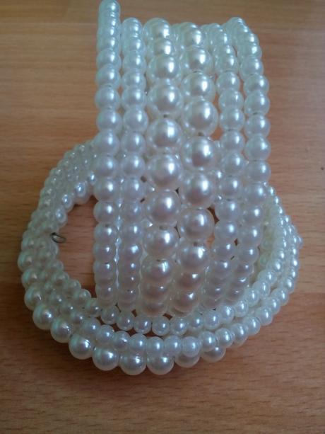 perlový náramok,