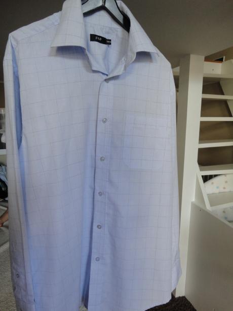 Modrá košile, 44