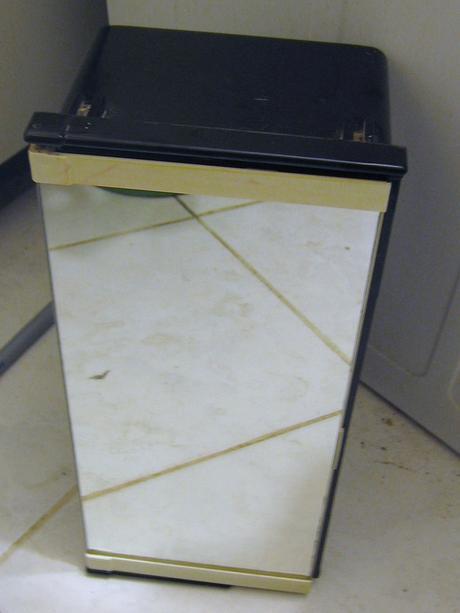 Zrkadlová skrinka do kupelne,