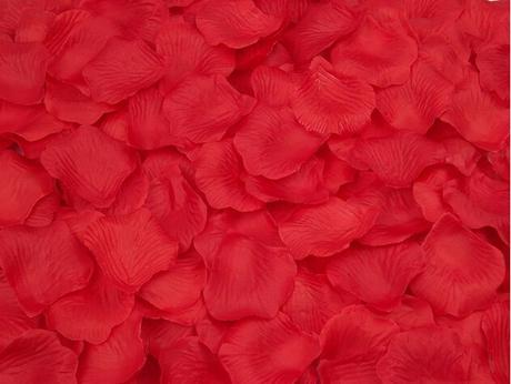 Bílé plátky růží 100ks, růžové 100ks,červené 100ks,