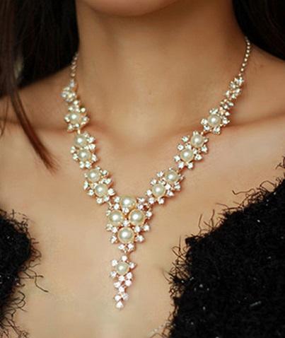 Perličkovokamínkový set naušničky a náhrdelník,