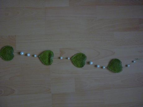srdiečkovo-perlová girlanda,