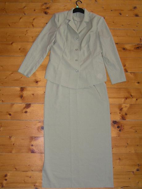 Sukňový kostým  - tenučký, 42