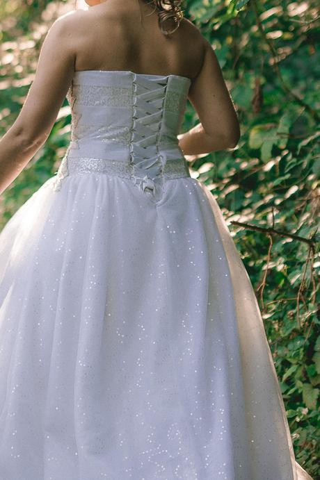 Svadobné lesklé šaty šité na mieru , 38