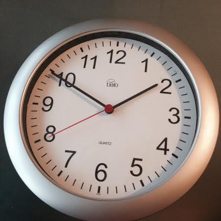 Nástenné hodiny,