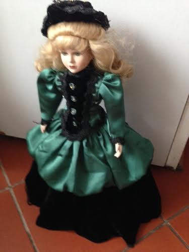 Porcelánová bábika 3,