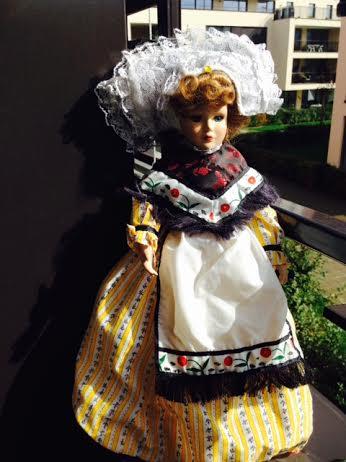 Porcelánová bábika ,