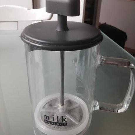 Šľahač na mlieko,
