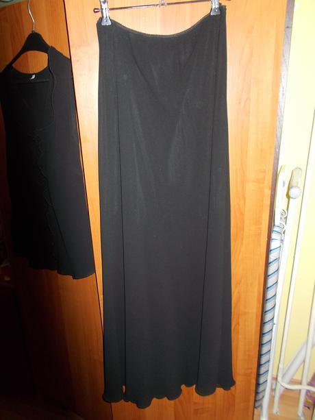 Sukňový kostým, 40