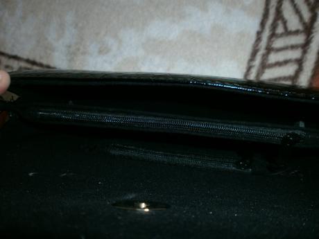 Čierna kabelka,