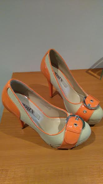 Oranžové lodičky, 37