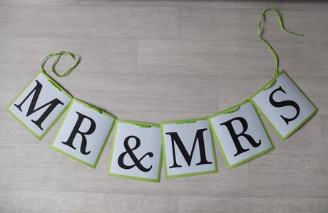 Girlanda Mr & Mrs na focení / dekoraci,