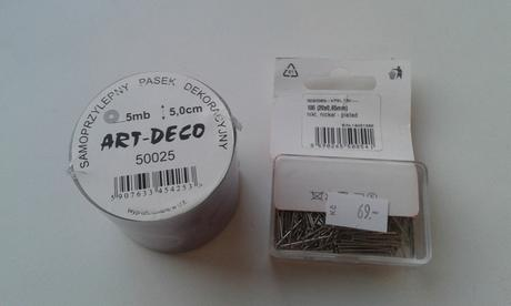 Dekorační páska a špendlíky,