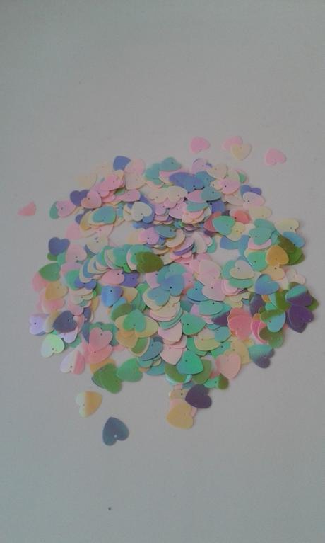 Lesklé konfety - srdíčka,