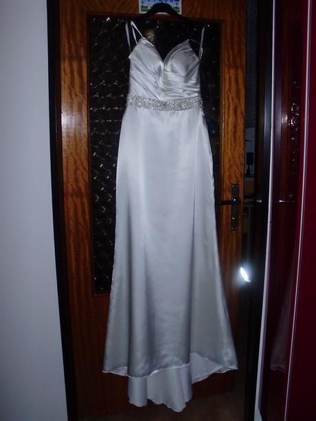 Elegantní, jednoduché svatební šaty, 38