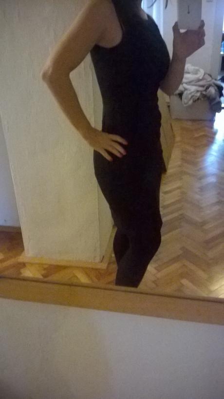 Slušivé černé šaty Orsay bez rukávů s kapsami, 34