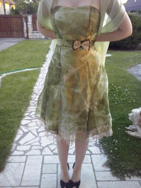 krátke spoločenské šaty, 36