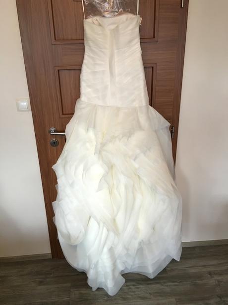Svatební šaty Vera Wang, 38