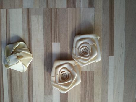 Krémove ružičky 20 ks,
