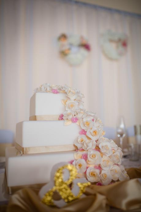 Polystyrénovo - marcipánová  3 poschodová torta ,