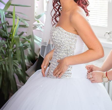 Svadobné šaty so swarovski kamienkami 38-40- korz, 38