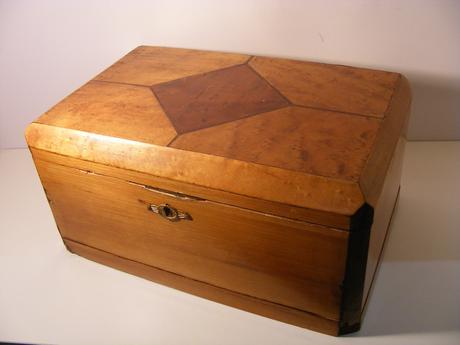 drevena krabicka ,