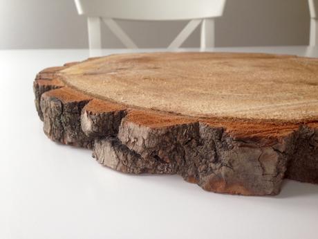Dřevěné kulatiny pod dort,