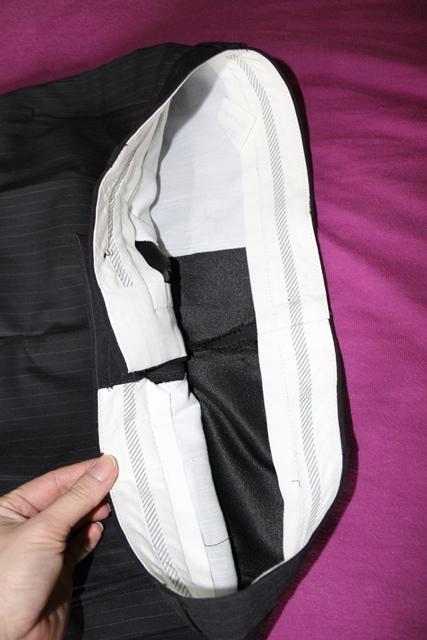 Pánský oblek s vestičkou, jemný proužek, 40