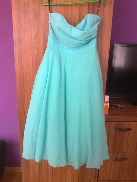 Mentolové šaty, 40