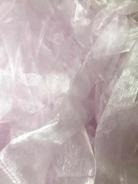 Světle fialová-růžová organza a fialová stuha,