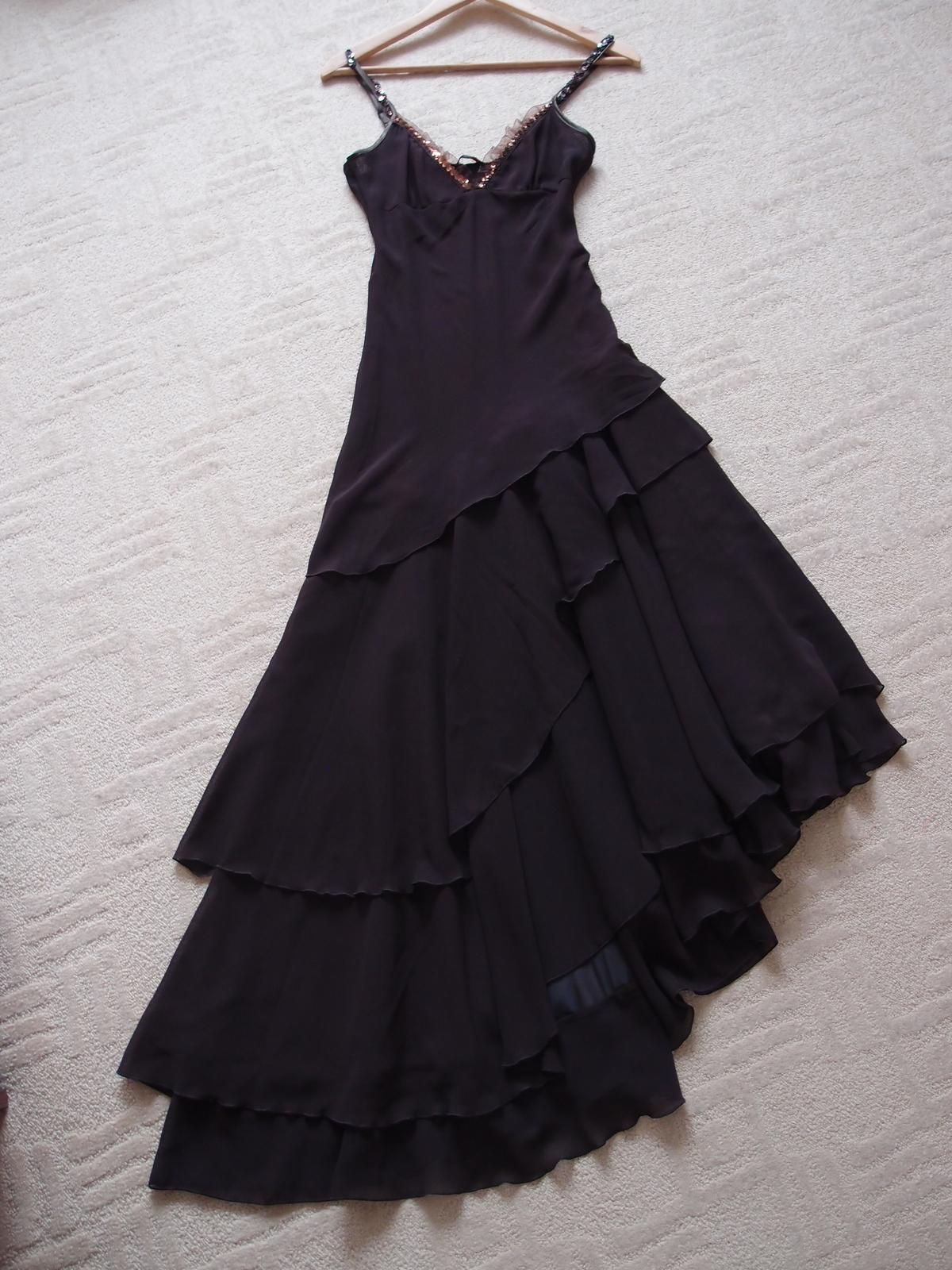 Hnědé společenské šaty a79bce9148