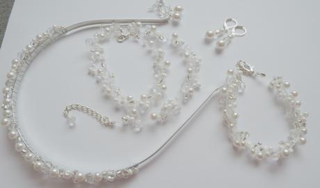 Svatební korálky s naušničkami,