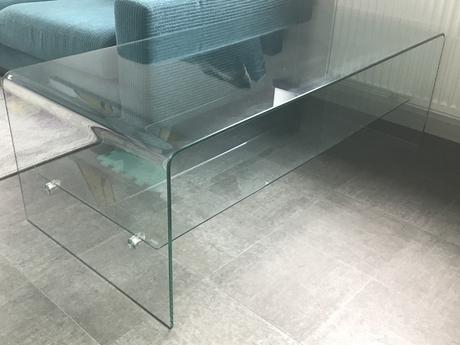 Skleněný konferenční stolek,