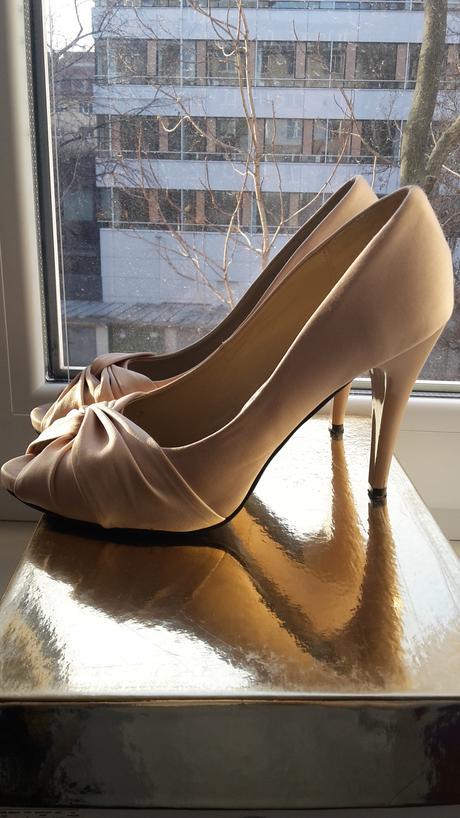 Béžové svadobné lodičky  značky  MTshoes, 37