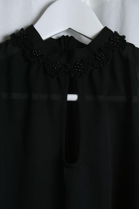 Čierna šifonová elegantná blúzka s gorálkami S, M, M